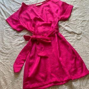 Pink fuchsia silky T-shirt dress with waist tie